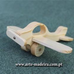 Brinquedo em madeira