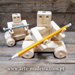 Brinquedo de madeira Robô