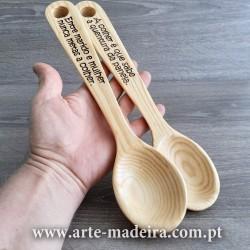Colher de madeira personalizável